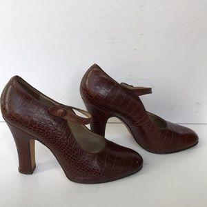 Martinez Valero crocodile embossed leather heels!